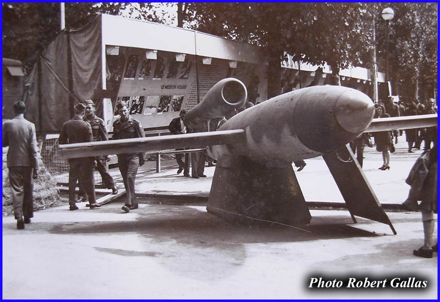 V1 rocket - Paris - 1945