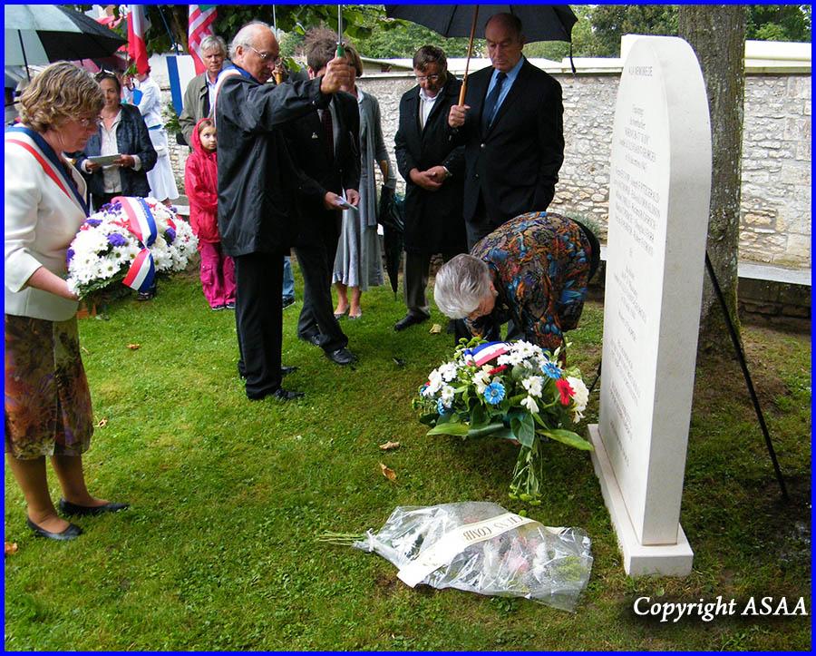 Ully-Saint-Georges - The laying of wreaths