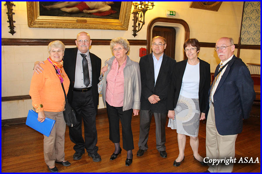 Clermont - The Shevchik family with the French families who helped their father